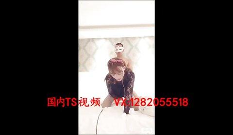 后入伪娘 Beautiful transvestites 唐嘉琪 was a man with a big penis from behind to thrust the anus